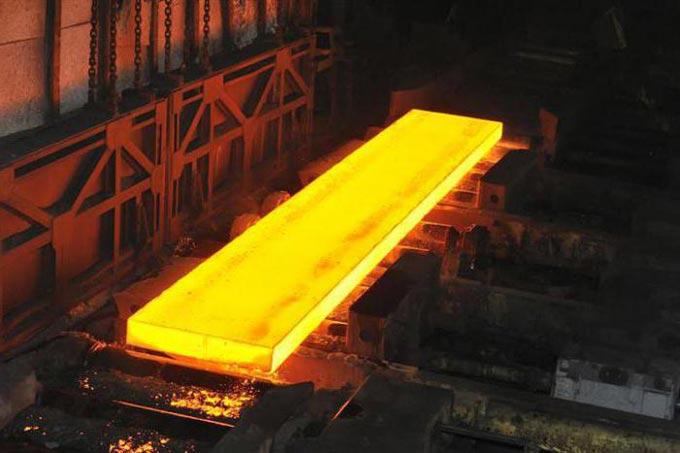 раскаленная сталь